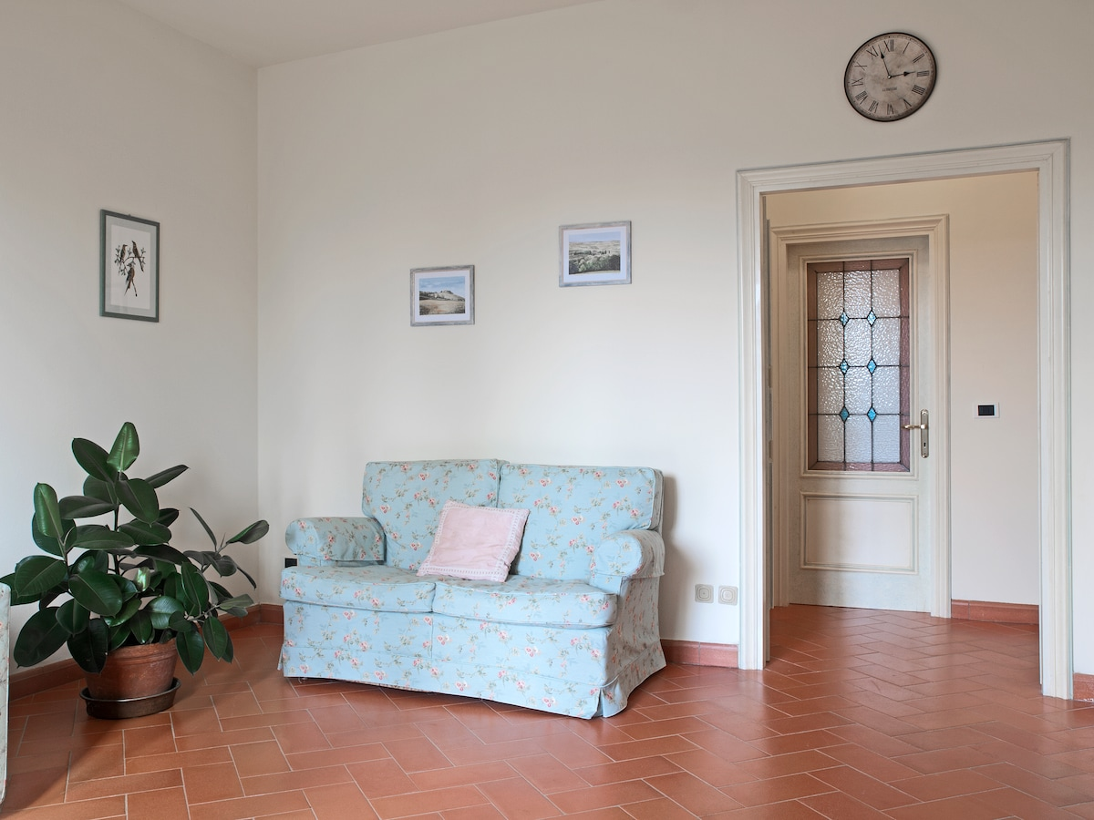 The 2 Rooms,suite @ 25' to Florence