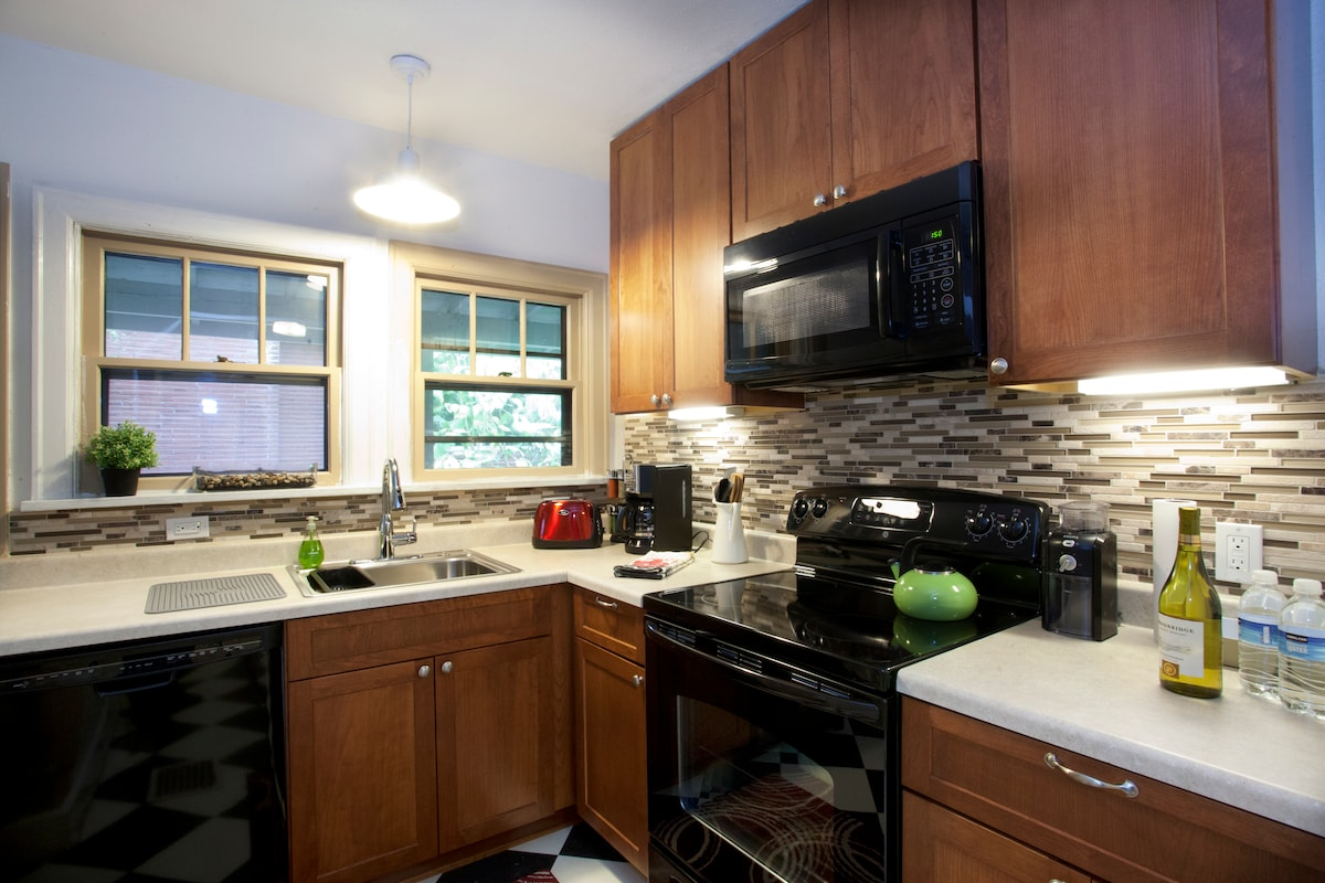 Beautiful newly remodeled kitchen with all new appliances.