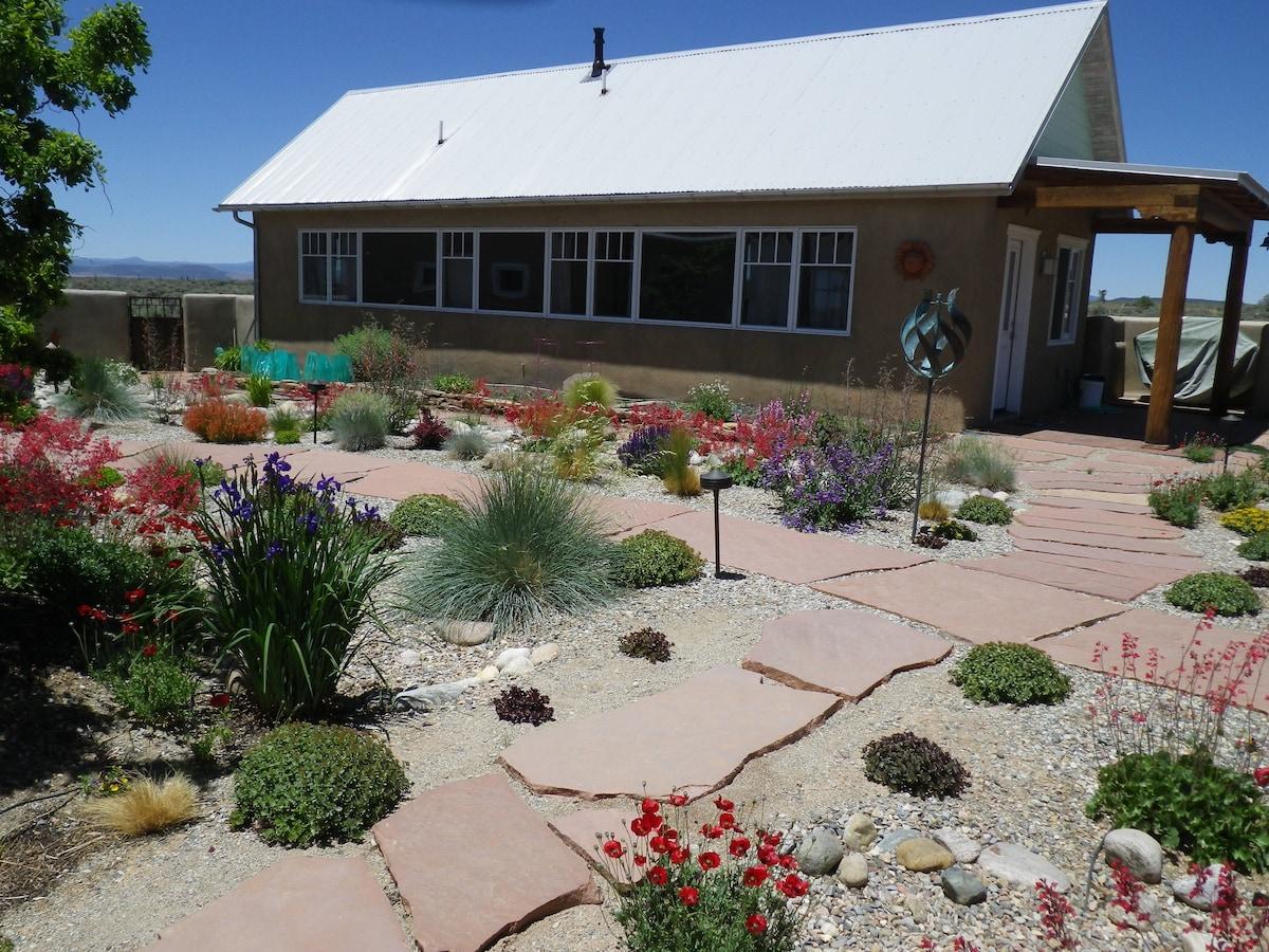 Taos Country Jewel Box-Great Views