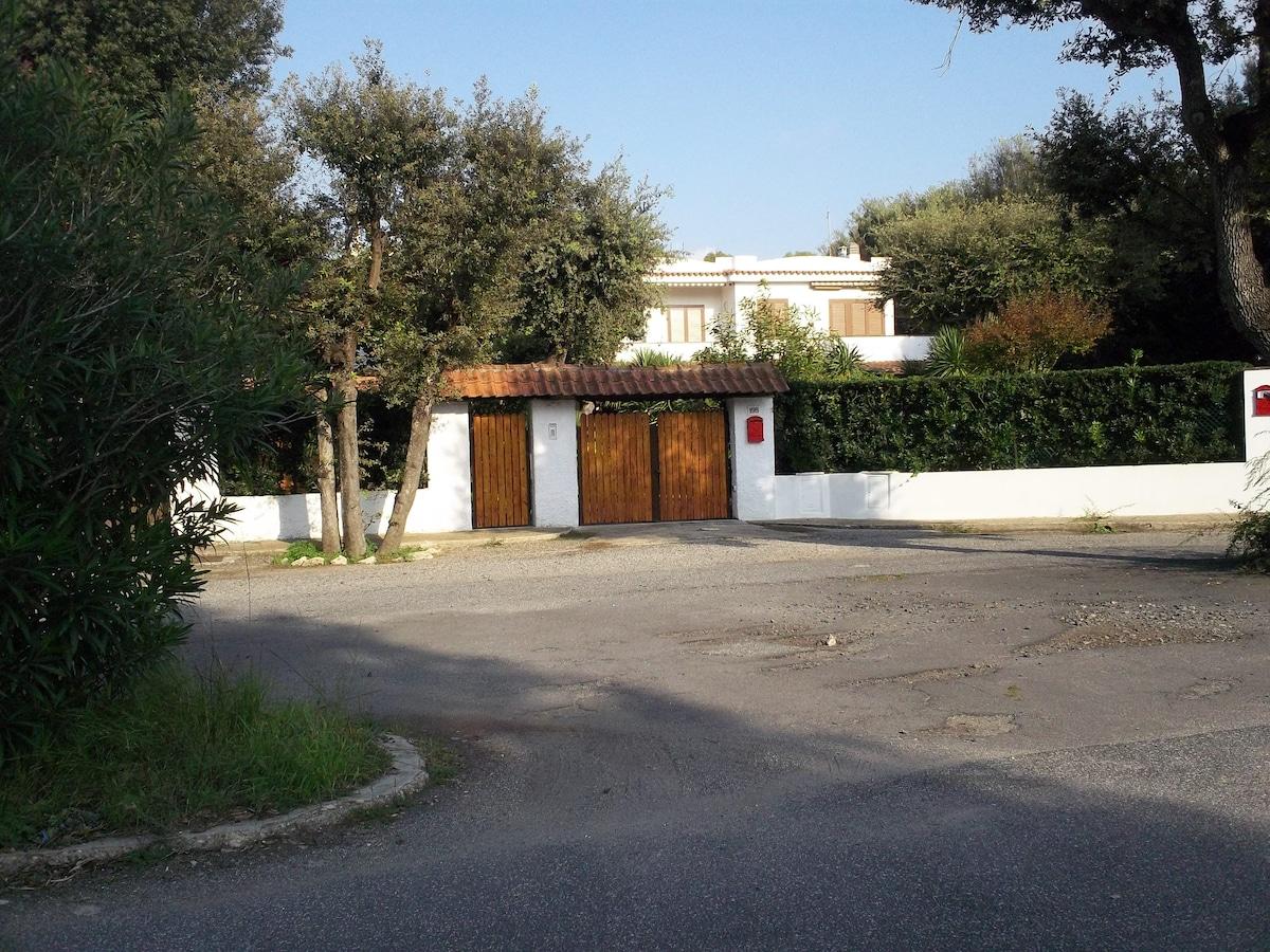 Two rooms in Fregene'Villa