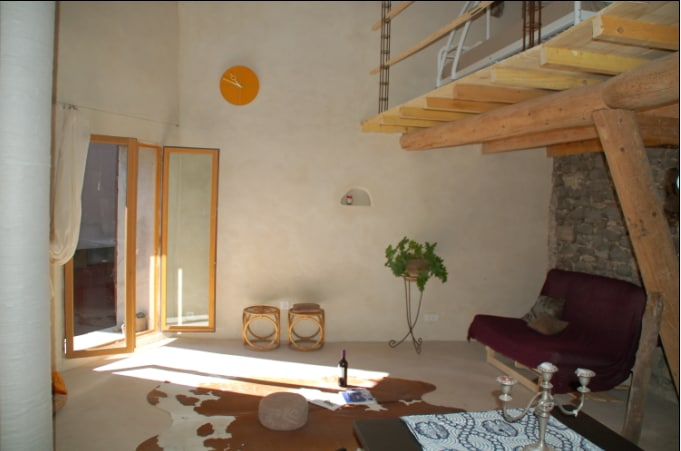 Attractively furnished cosy loft.