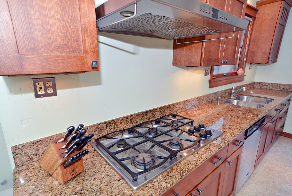 Stove Top, Dishwasher, and Main Double Sink