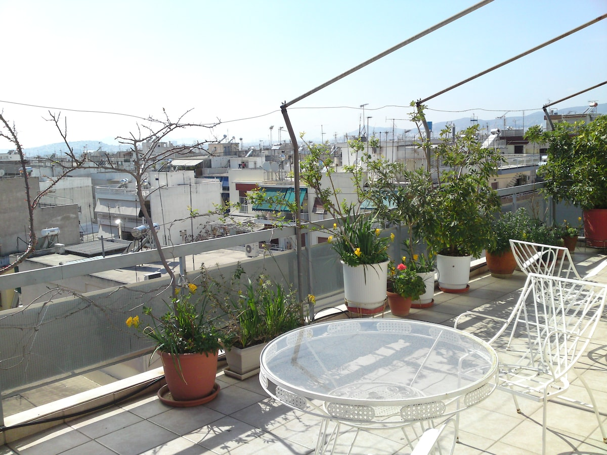 https://sites.google.com/site/orestistrips/accommodation/penthouse-in-athens