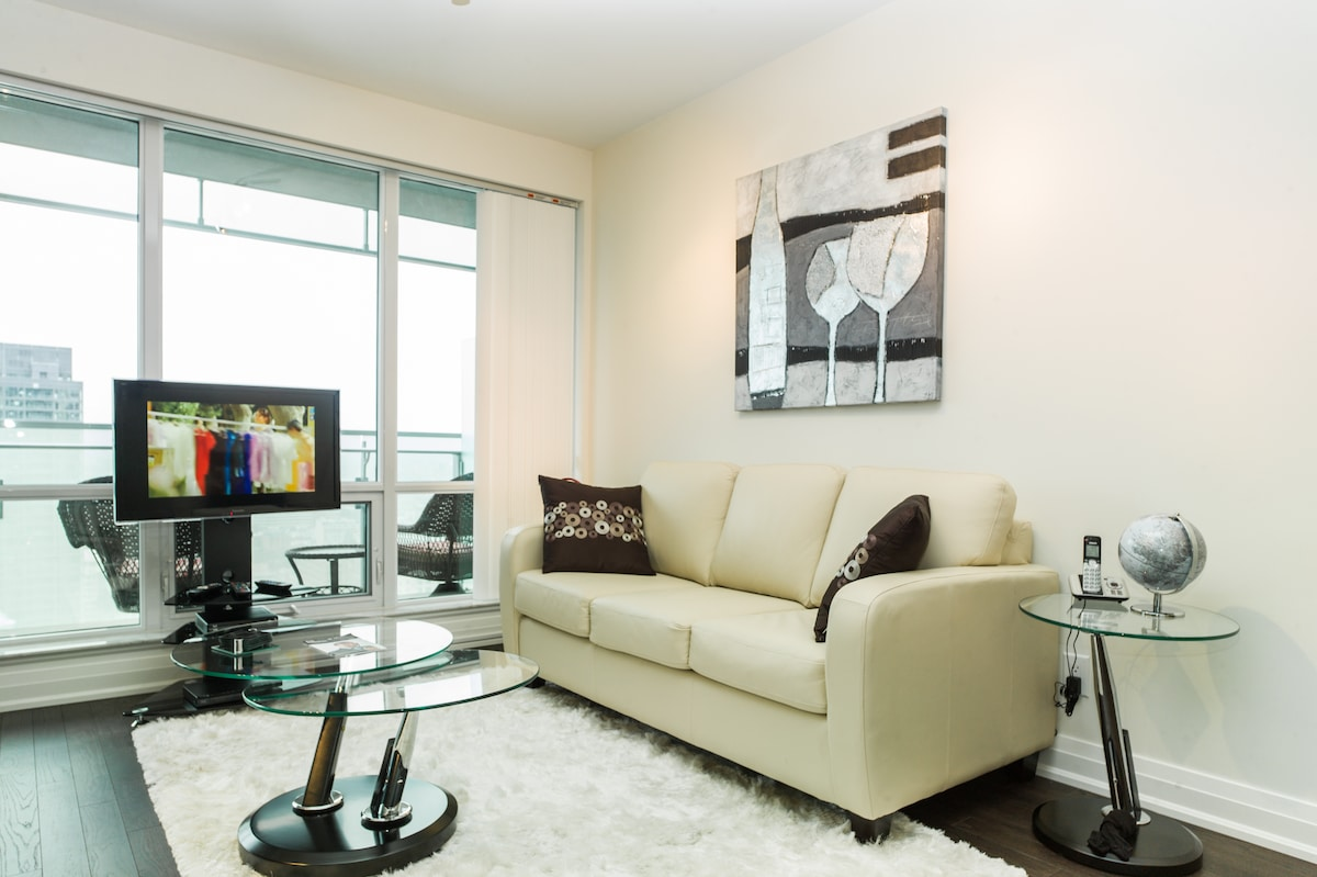 Tastefully decorated Living area with all the 5 star comforts!
