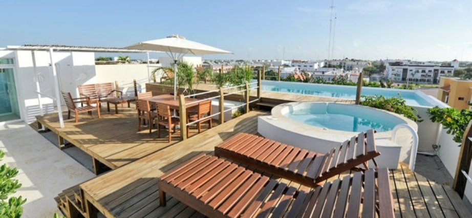 Our Quiet and peaceful Sea View Roof Terrace with Pool, Jacuzzi
