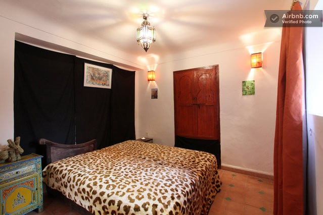 Cosy bedroom in Marrakech's medina2