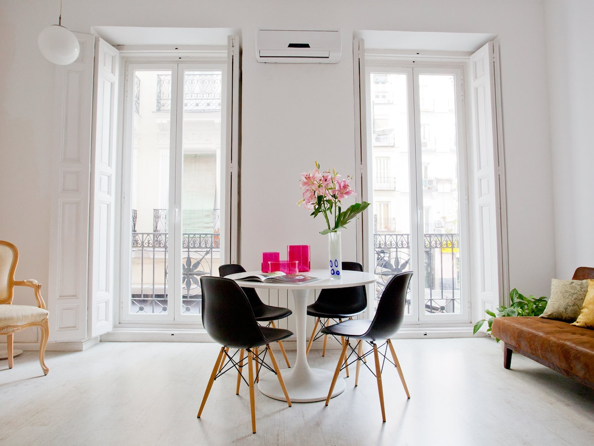 gorgeous bright space: two large french balconies