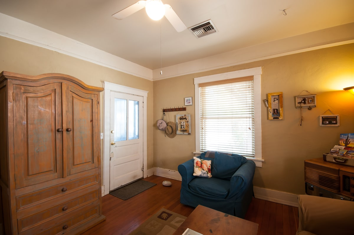 Artist's Guest House.2