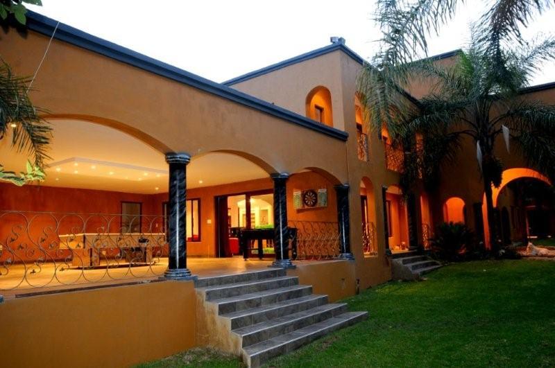 Luxury Accommodation 2010 Soccer