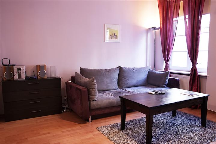 1Bedroom Flat, Royal Route, Warsaw!