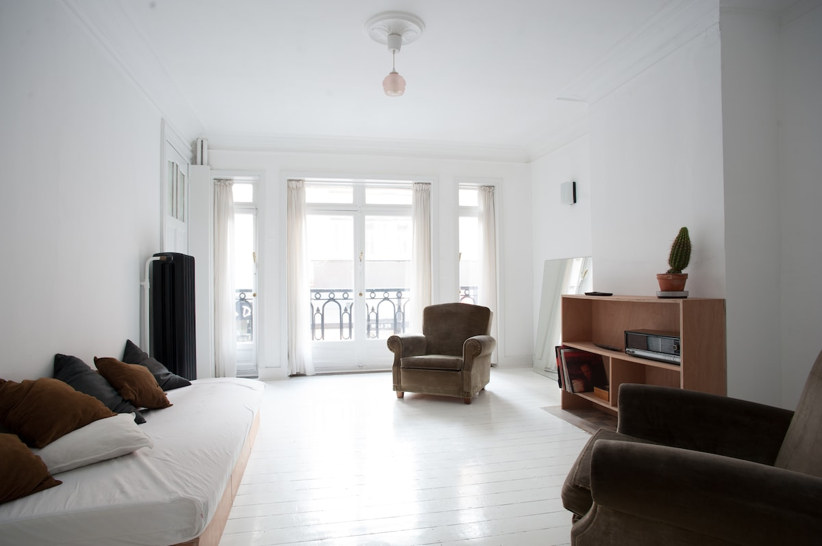 2 BEDROOM APARTMENT IN BRUSSELS