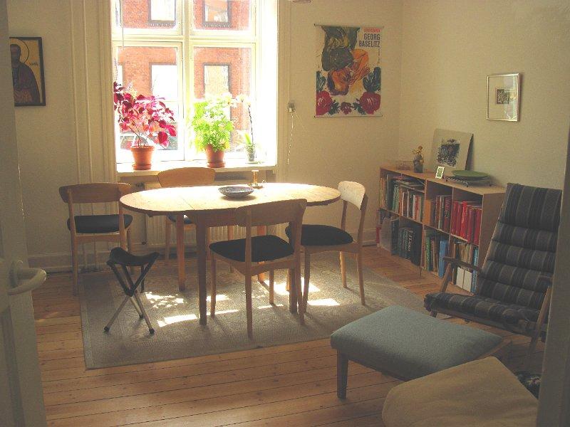 room central in Copenhagen Ø
