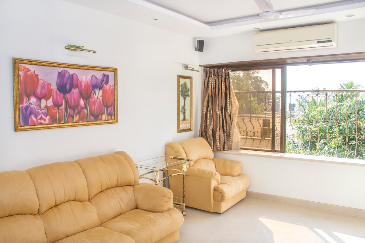 Living Room - Comfortable Couches & Chair. Arabian Sea View.