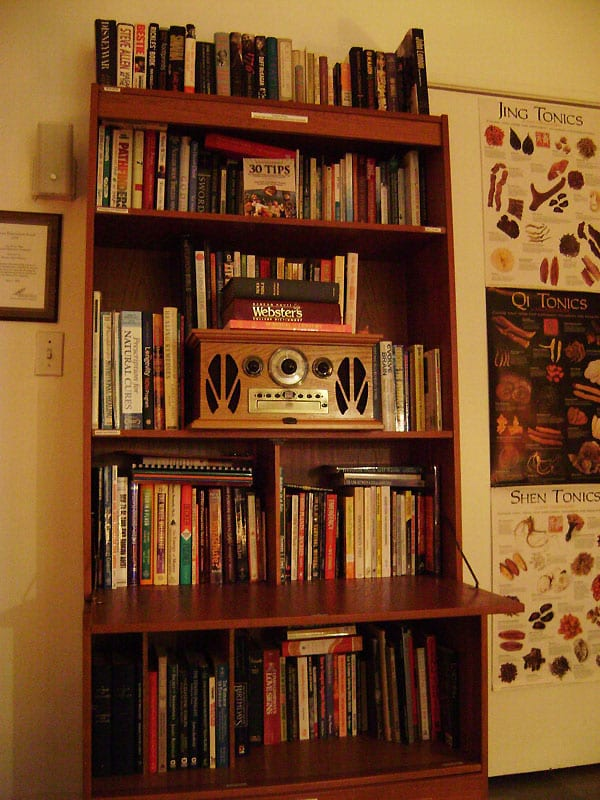 Library of Positive Living Books and Tapes and DVDs including Biographies, Philosophy, Health and Nutrition, Abundance, Survival, Recovery, Relationships, Humor, Esoterica  and more...