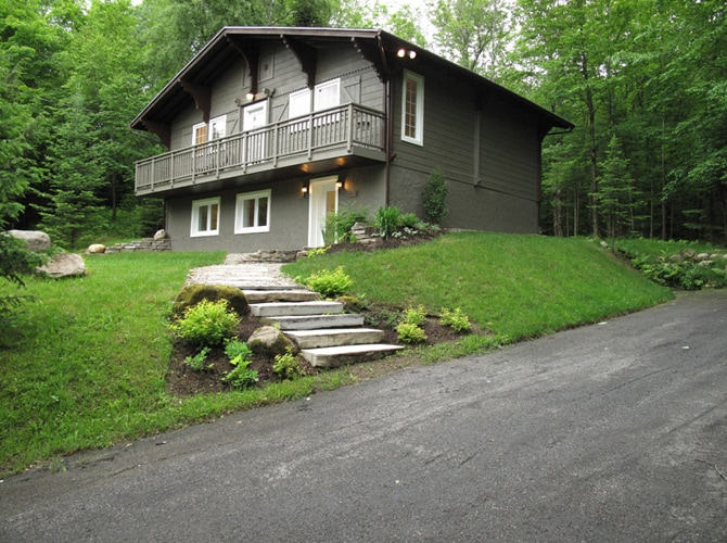 Double paved driveway - lots of parking space. Nice treed lot in the backyard for hiking.