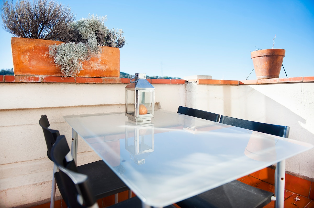 Private terrace at the same level than the apartment