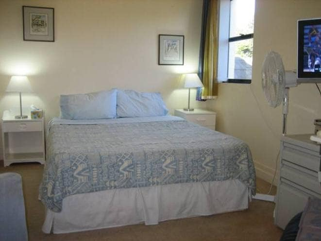 Guest Room in Glebe Townhouse 2