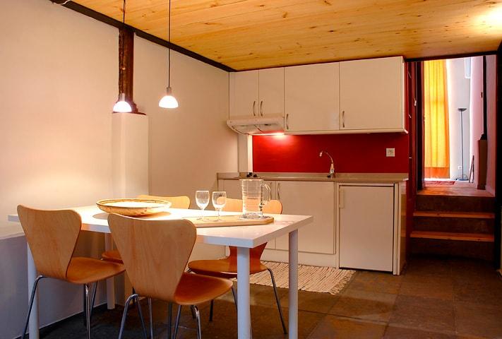 Apartment Barcelona - DinningRoom&Kitchen. Apartamento Barcelona - Comedor&Cocina. Appartamento Barcelona - Sala da pranzo&Cucina.