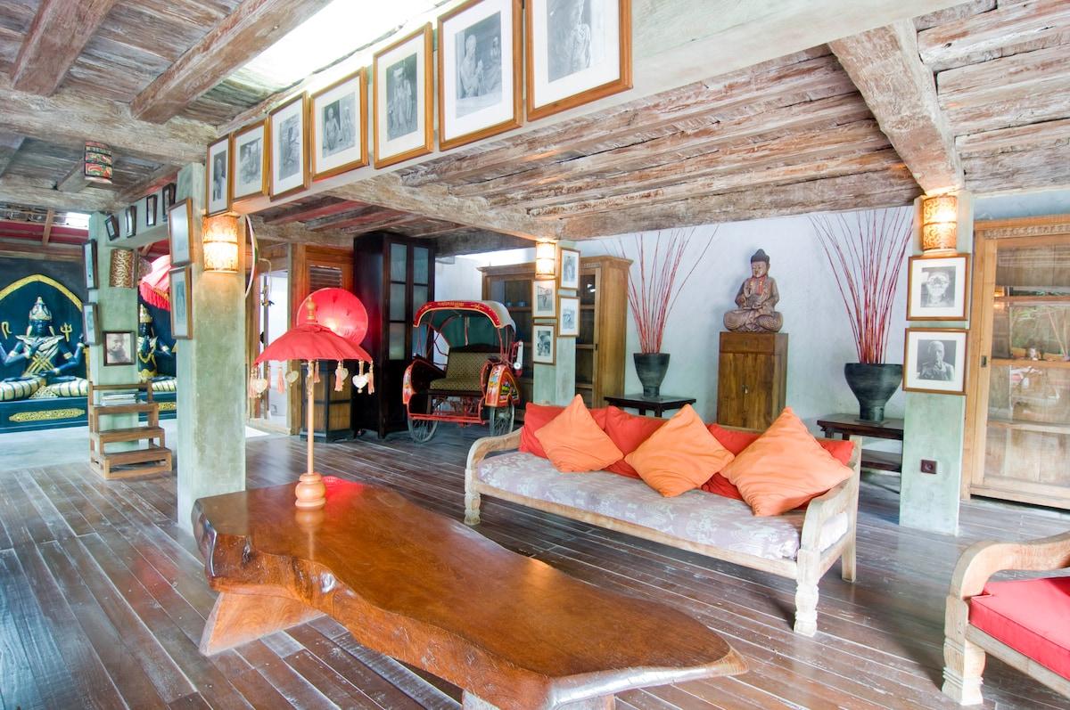 Amazing 5-bedroom Seminyak Villa