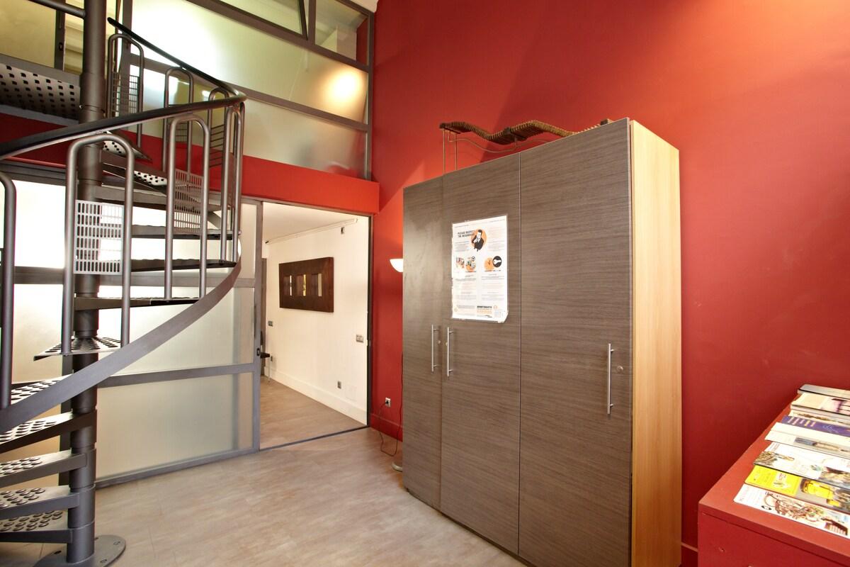Loft Barcelona II  Example Derecho