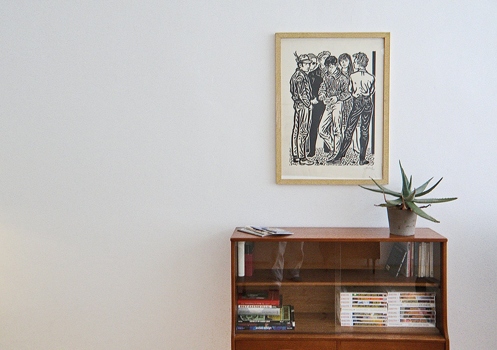 The room features books about Berlin, guides etc. and fine contemporary and vintage art by local artists.