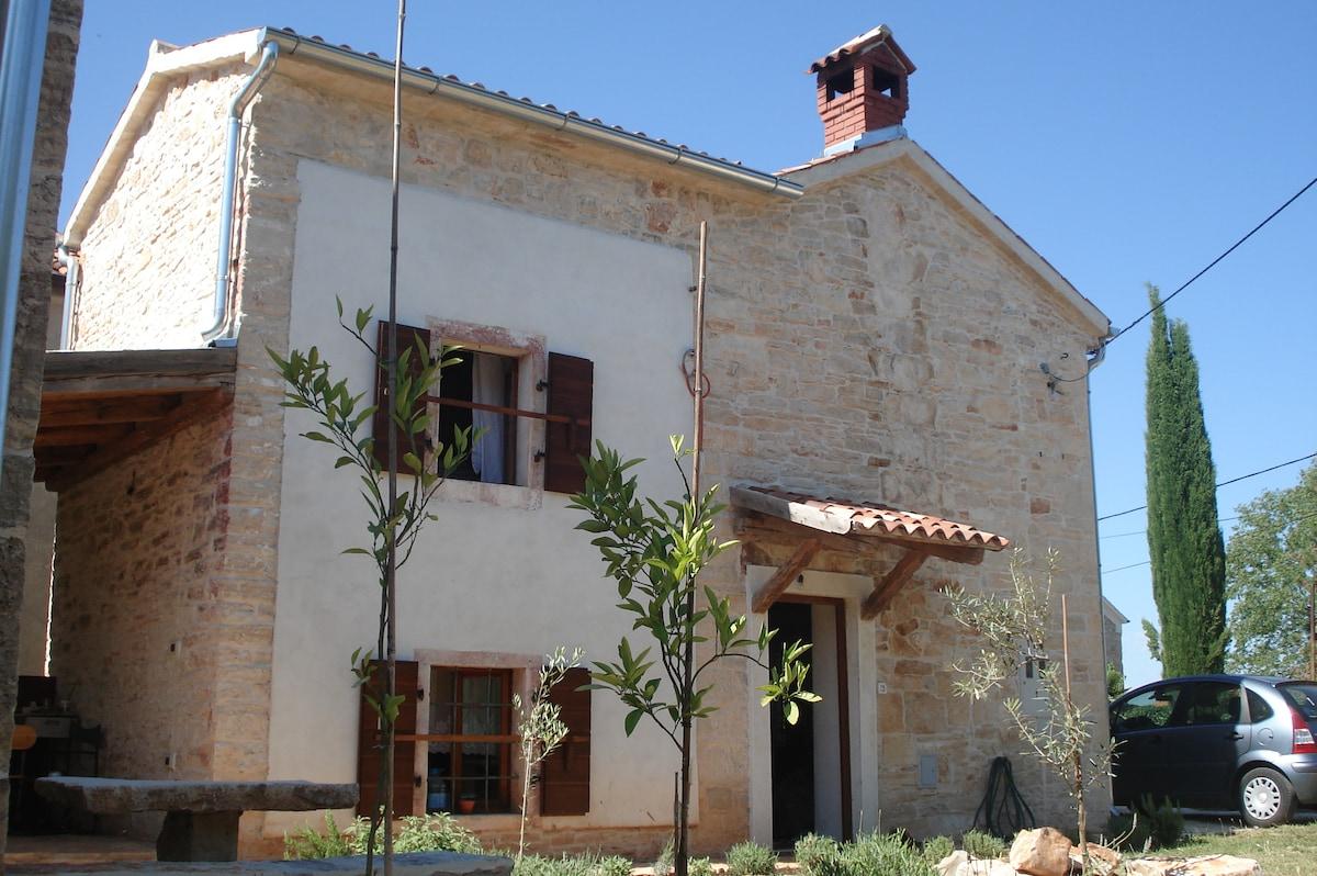 HOUSE ANA Kaldanija 24