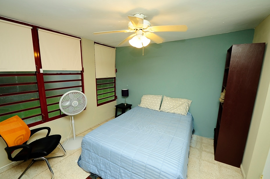 Queen size bed room for couples or single travelers