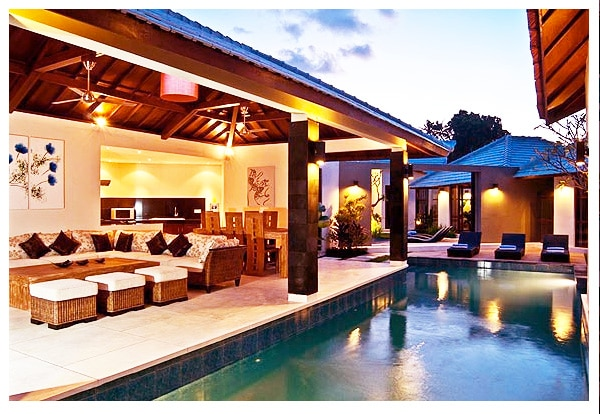 Tropical 3 BR Villa in Seminyak !