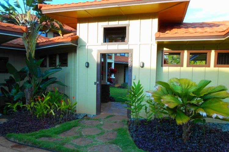 Enter Pukana La Hale through the logia and lush gardens.