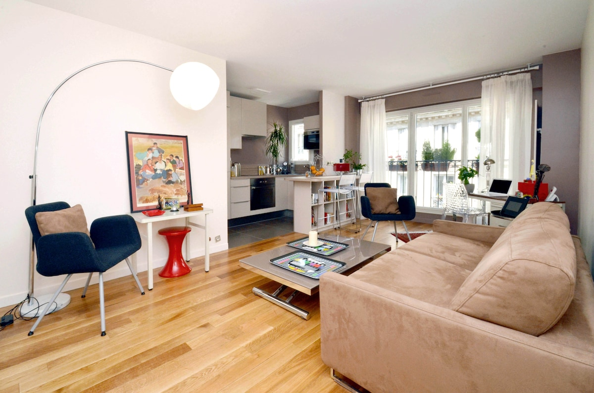 Bed and Breakfast- Lower Montmartre