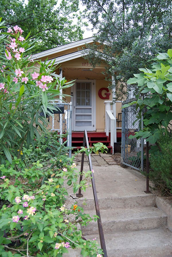 Welcome to G's! A lovely East Austin bungalow.