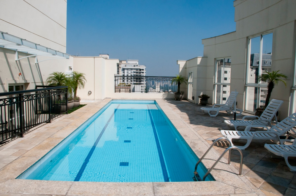 HI-TECH LUXURY APT BY PAULISTA AV. + JARDINS- Next to Paulista Ave on Jardins (Manhattan/ Soho) side.  Rooftop pool with breathtaking views.  Lightening ultra speedy 200 Mbps fiber optic internet wi-fi connection for business or personal use.