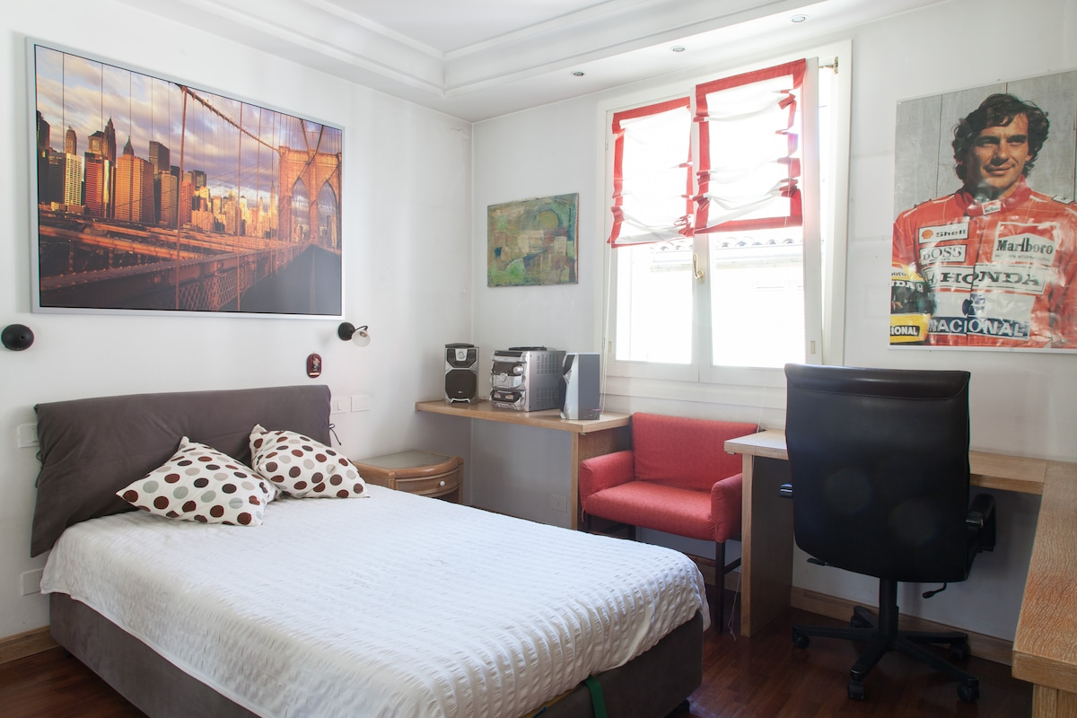 Room in the city centre