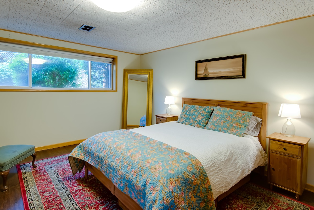 Large bedroom with excellent lighting.  Over looks the garden with rasberries, blueberries and vegetables.