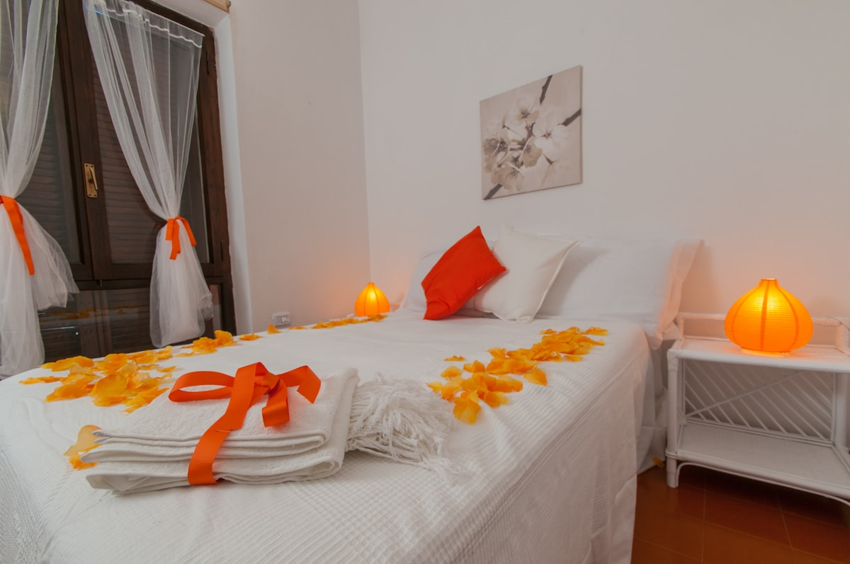 Orange Room - curtains, bath towels, lamps & happy pillows