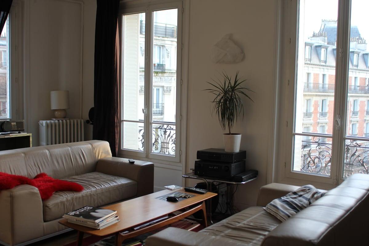 Room in a big parisian apartment
