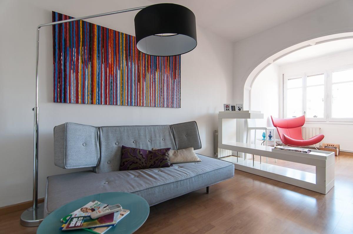 Suite/Bedroom 1: Sitting area