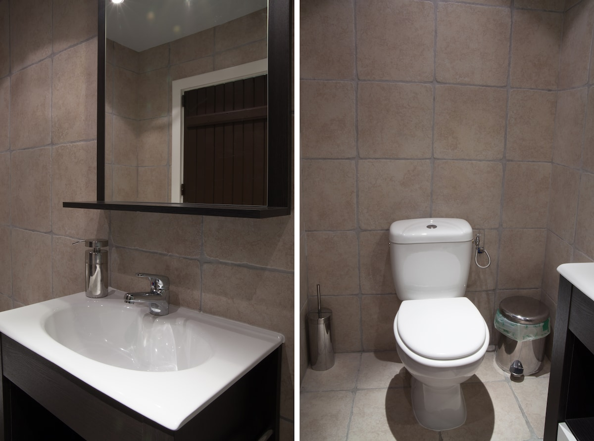 Brand new bathroom with Italian tiles, and custom features