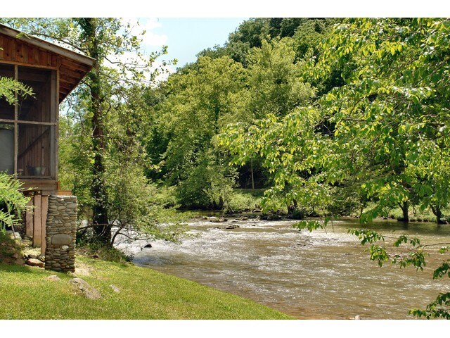 River Cabin on Pigeon River, 1BR