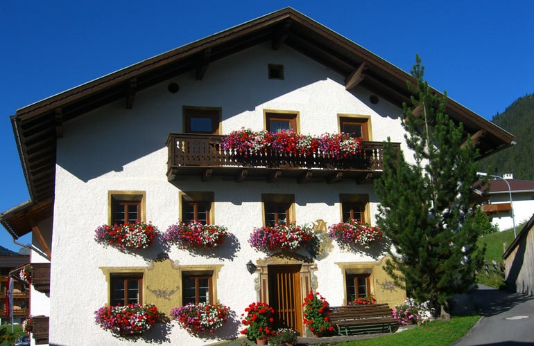 der steinbock  -bed & breakfast