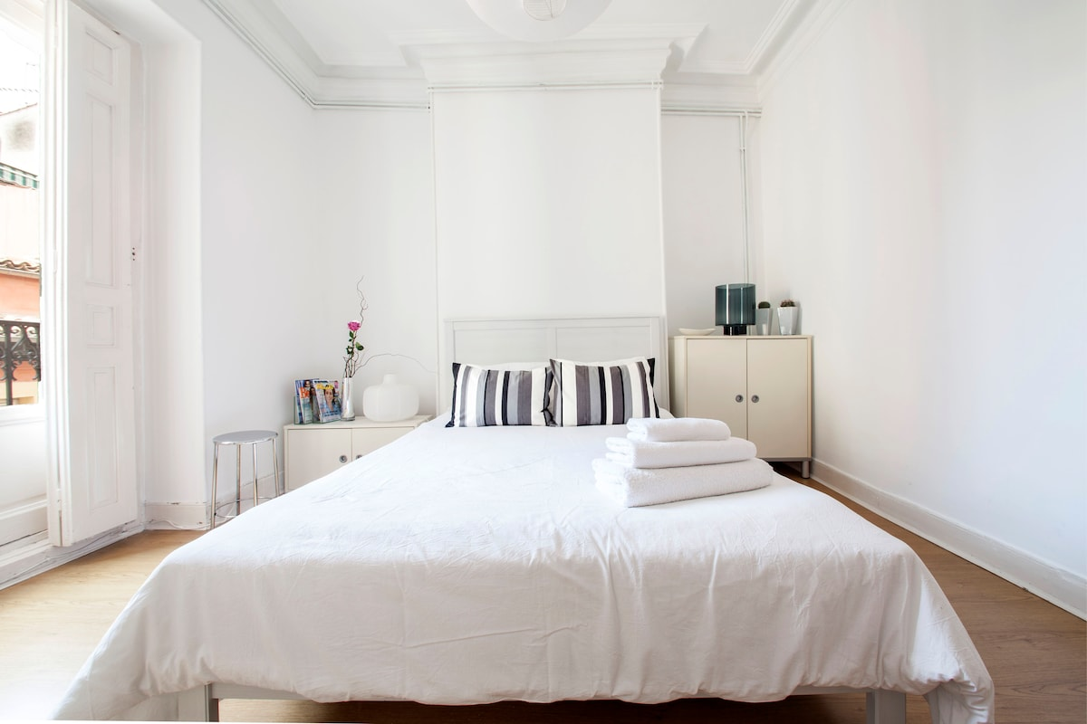 ROOMS IN THE HEART OF MADRID F