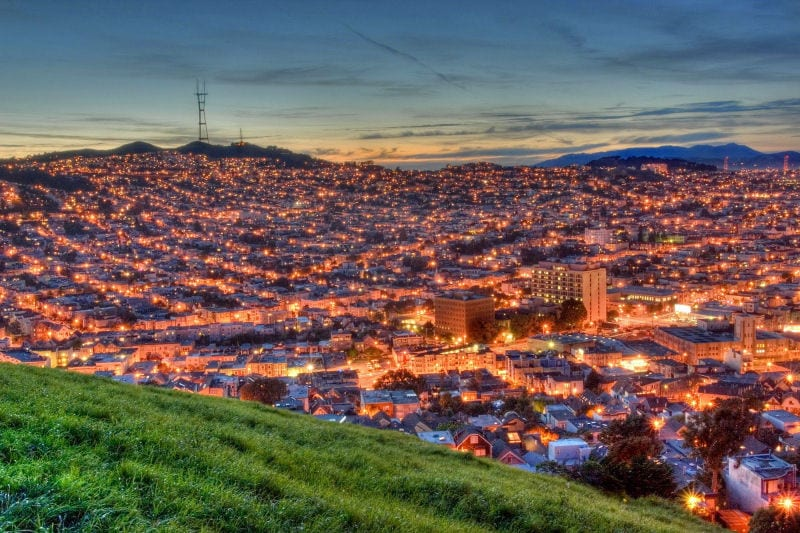 Inspiring views at night of the city of San Francisco.