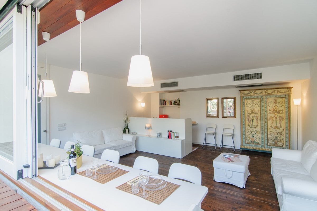 Sunny apt in the center of Arezzo