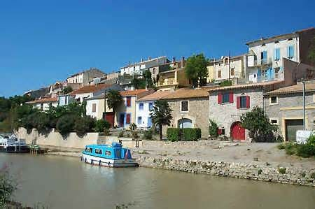 house of village canal du midi