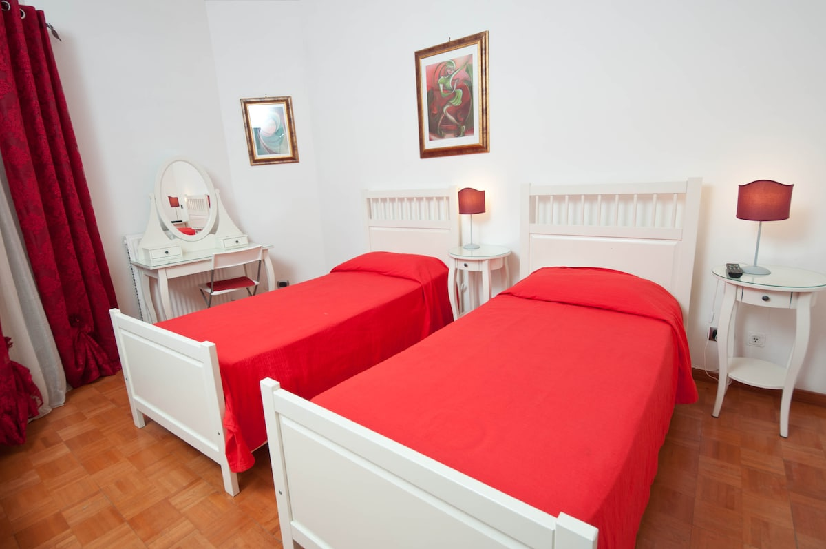Trastevere Red Room