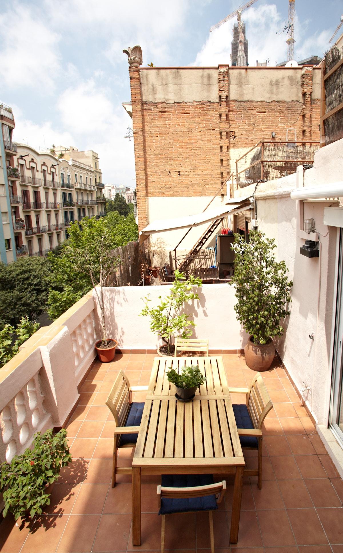 Cozy Attic Next to Sagrada Familia