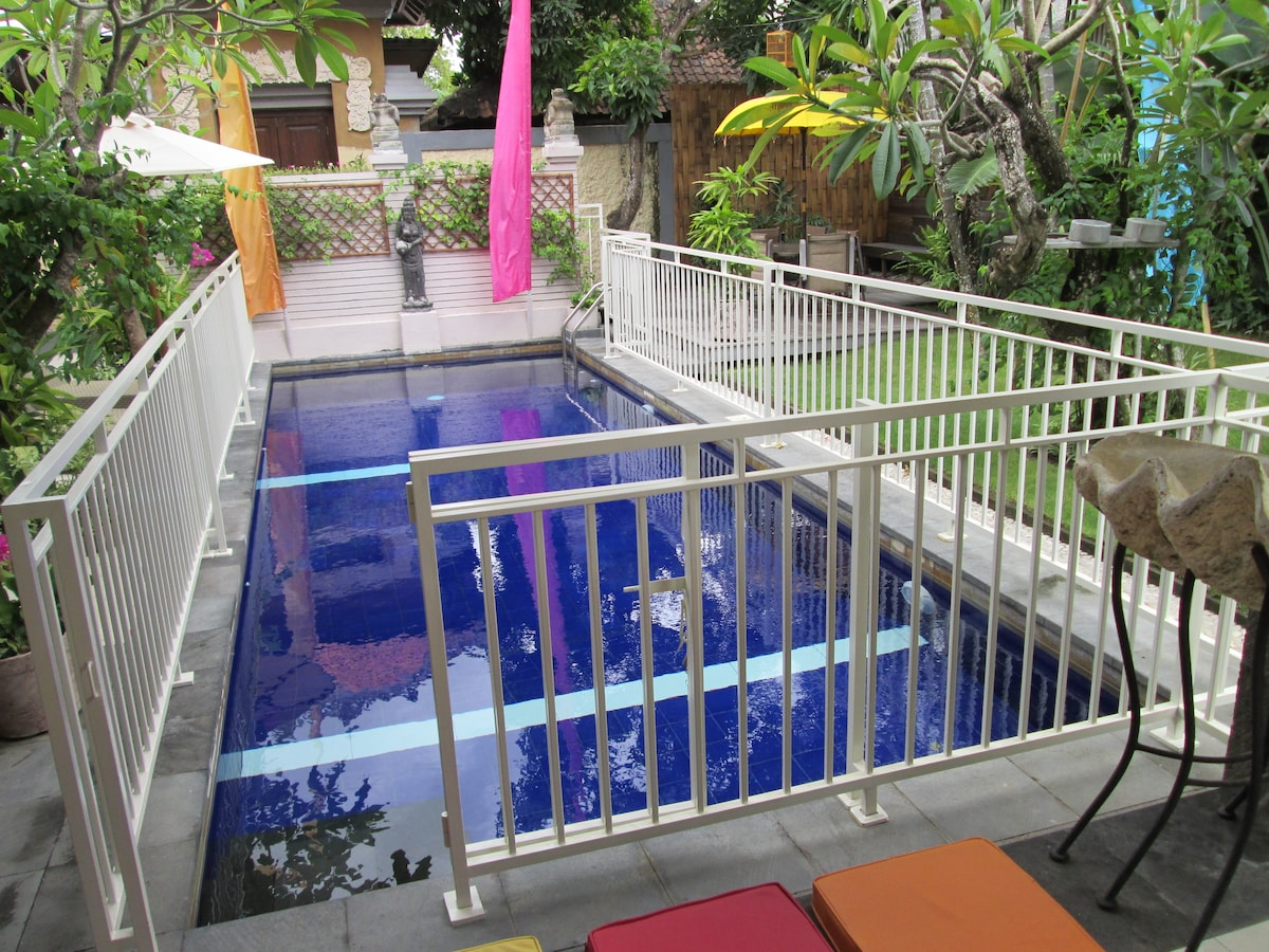 Safety Pool Fence in place for Young Children. Request on booking NO  EXTRA CHARGES