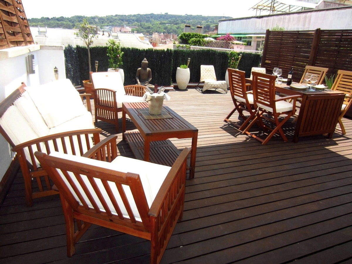 Main Terrace - 40m2 - with views to Montjuic