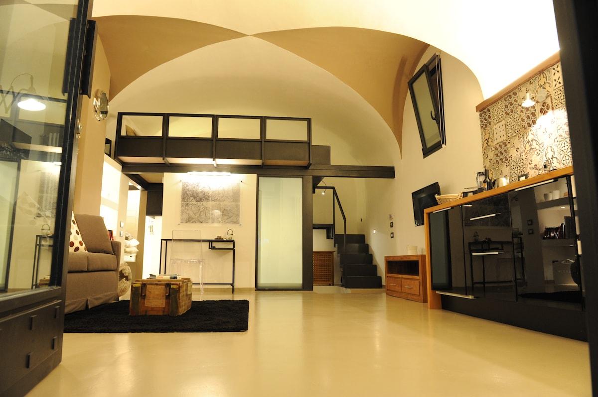 Brand new coloftsseum studio in rome for Airbnb roma