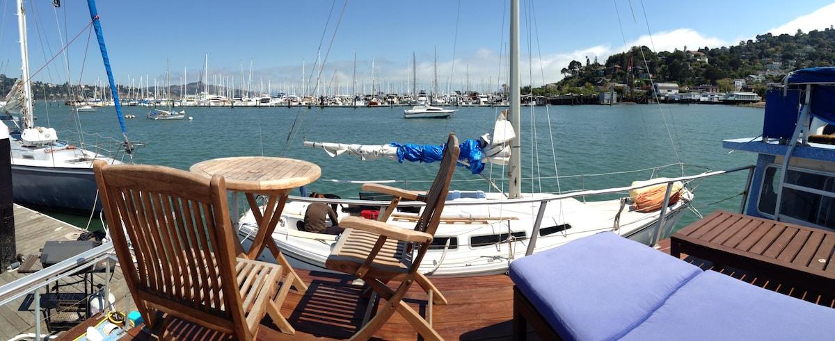 Sausalito Floating Loft on SF Bay